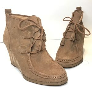 """{LUCKY BRAND} """"Yaney"""" Suede Wedge Lace Up Tan"""